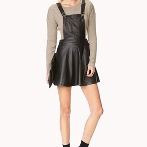 💣sale: |FOREVER21| Faux leather overall